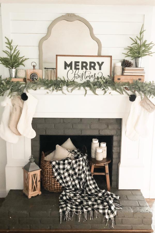 Farmhouse Christmas Decor